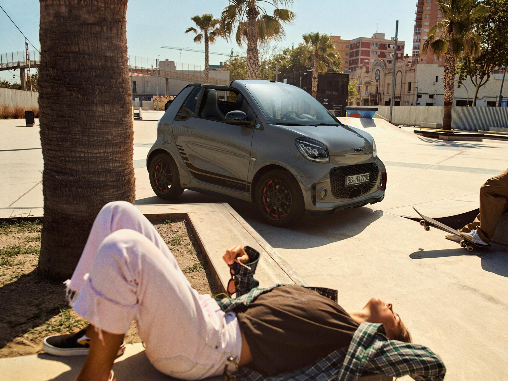 smart eq fortwo cabrio Edition One on street